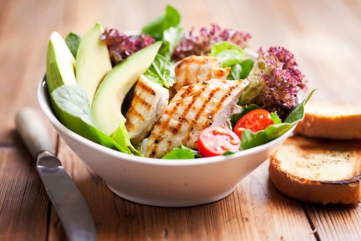 มาหาคำตอบ อยากมีสุขภาพดี ต้องกินแต่ อาหารคลีน เท่านั้นหรือเปล่า?
